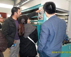 外国客户验收热压机