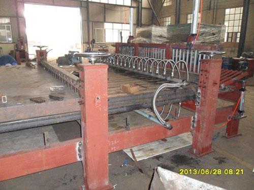 细木工板拼板机生产实况